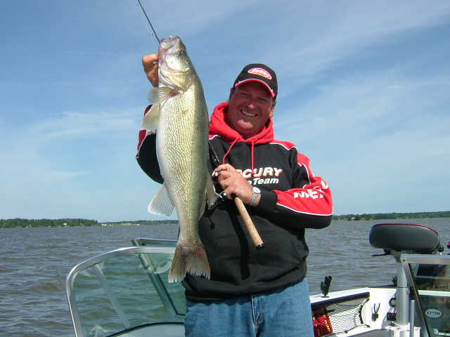 Mark brumbaugh words about walleyes pictures for Saginaw bay fishing